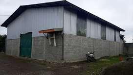 Se arrienda bodega 300 m2 Via Quevedo km. 8