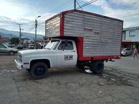 Se vende camion restaurado todo se le puso y modifico todo caucohs jurvos papaleds al dia reforzado listo para ttabajar