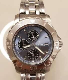 Reloj Festina Azul pulsera de acero, con fechero y medidores