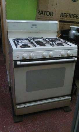 cocina de 5 fogones mabe  grande en solo 120 mil pesoss