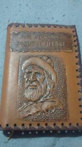 Libro Antiguo de Martin Fierro en Cuero