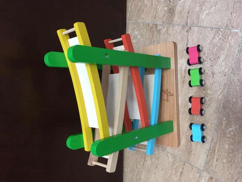 Rodadero de carros para niños 0