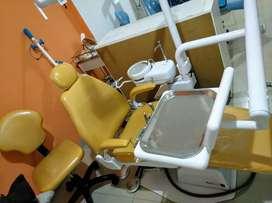 Oportunidad Odontólogos! Unidad dental marca Faredent semieléctrica, motor alemán, peso sólido, con taburete.