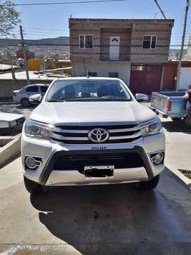 Toyota Hilux SRX 4x4 full automática 2016