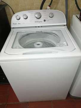 Vendo lavadora whirpool moderna