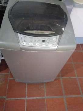 Lavadora digital exelente