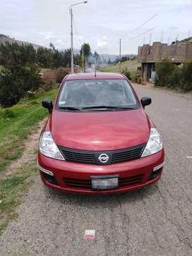 Nissan Tiida sedan nuevo