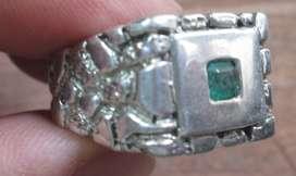 anillo plata esmeralda