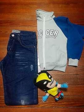 Campera niño Soccer Urbana talle 4/ Pantalon jean talle 12