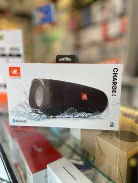 Parlante JBL Charguer 4