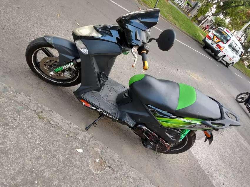 Moto automatica Kymco 150. Modelo 2010. Perfecto estado 0