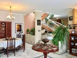 Hermosa Casa con Anexo Independiente