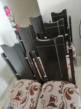 Se vende 6 sillas para comedor,en muy buen estado