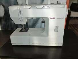 Maquina de coser PFAFF hobby 420