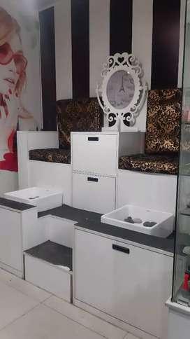 Venta de mobiliaria de spa por completo o separado.