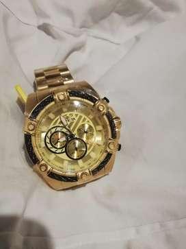 Reloj invicta bold dorado