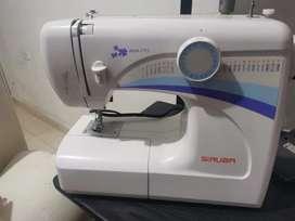 Vendo maquina de coser nueva Siruba ref. HSM 2715