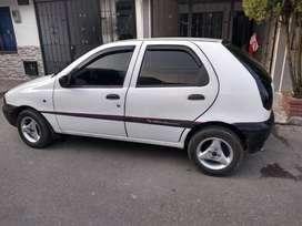 Fiat Palio en buen estado,  modelo 1998 cinco puertas