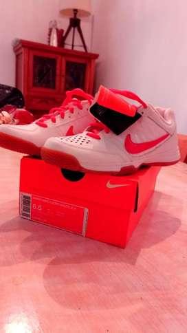 Zapatillas 36 37  Nike Tenis Nuevas