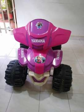 Moto de batería para niña