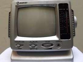 Antigua radio TV blanco y negro