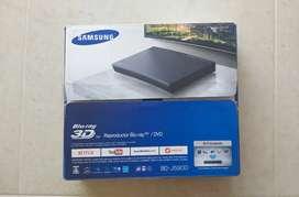 Blu Ray Samsung BD-J5900 y 4 películas 3D nuevas