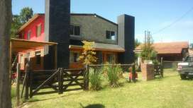 Venta de casa duplex en Reartes frente al rio