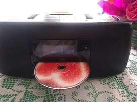 Reproductor de CD, radio y Auxiliar