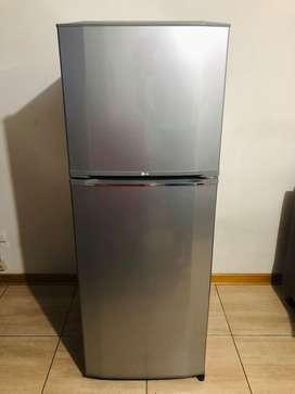 Refrigeradora LG (250 L)
