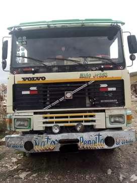 Camión Volvo F12 segunda mano  Perú