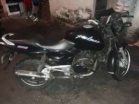 se vende bella pulsar 180 full