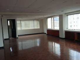 H/ Gaspar y Amazonas. Se arrienda edificio para oficinas.