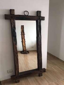 Espejo de madera rustico