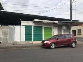 Se ALQUILA BODEGA COMERCIAL PLENO CENTRO  Ambato y L Plaza esquina Frente al Club de Leones