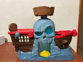 juguete Barco Pirata de Jake el Pirata con nuevo y a buen precio, pura diversión para los mas pequeños.