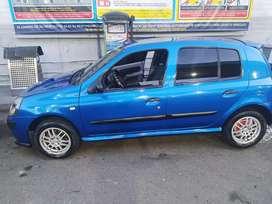Se vende Renault Clio en excelente condiciones
