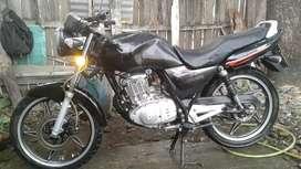 Vendo Linda Moto SUZUKI GS 125