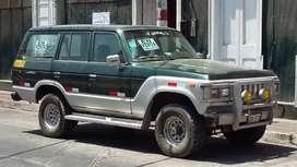 Toyota land cruiser año88