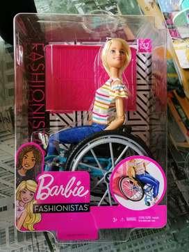 Barbie Silla de Ruedas Americana Nueva