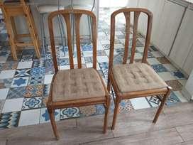 Juego de 5 sillas de madera
