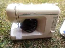 Maquina de coser Jaguar Mate