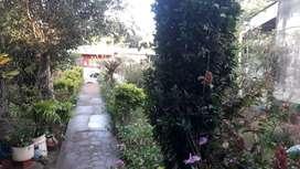Vendo casa hermoso lugar tranquilo con todos los servicios hermoso jardín cordon cuneta y empedrado