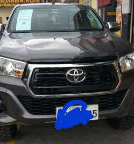 TOYOTA HILUX 2019 FULL EXTRAS