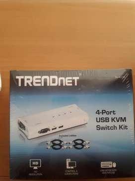 Switch kvm 4 puertos y cables trendnet