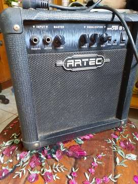 Amplificador Artec B15 para bajo