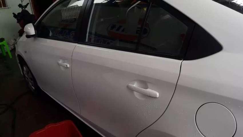 Toyota yaris uso particular 0