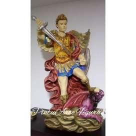 Arcangel San Miguel en Yeso Español pintado a mano