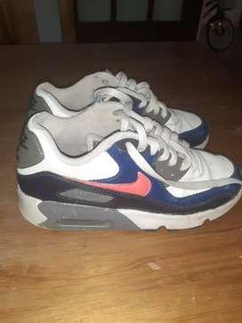 Vendo zapatillas air Max usadas
