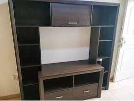 Vendo mueble de TV. Excelente estado..
