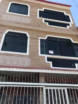 Departamento con 3 habitaciones, baño, bodega, terraza, cielo raso